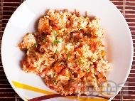 Рецепта Печен ориз на фурна с праз лук, домати, лук, моркови и пилешки хапки от бон филе (бонфиле)